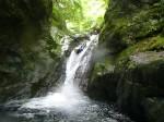 筒の滝(ホーリー)